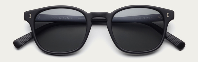 Tiny 2x clover in matte black sun grey lens